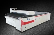 Auto Cloth Laser Cutter or Fabric Laser Cutting Machine