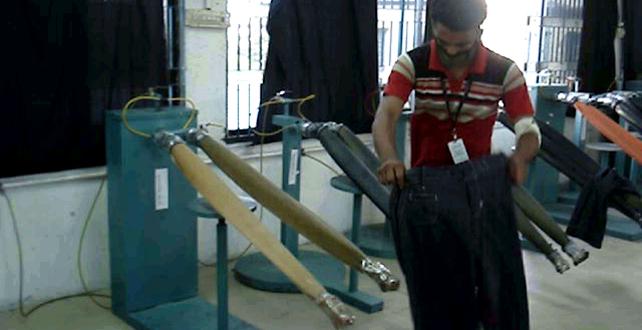 How Hand Scraping and Sand Brushing Machine Works?